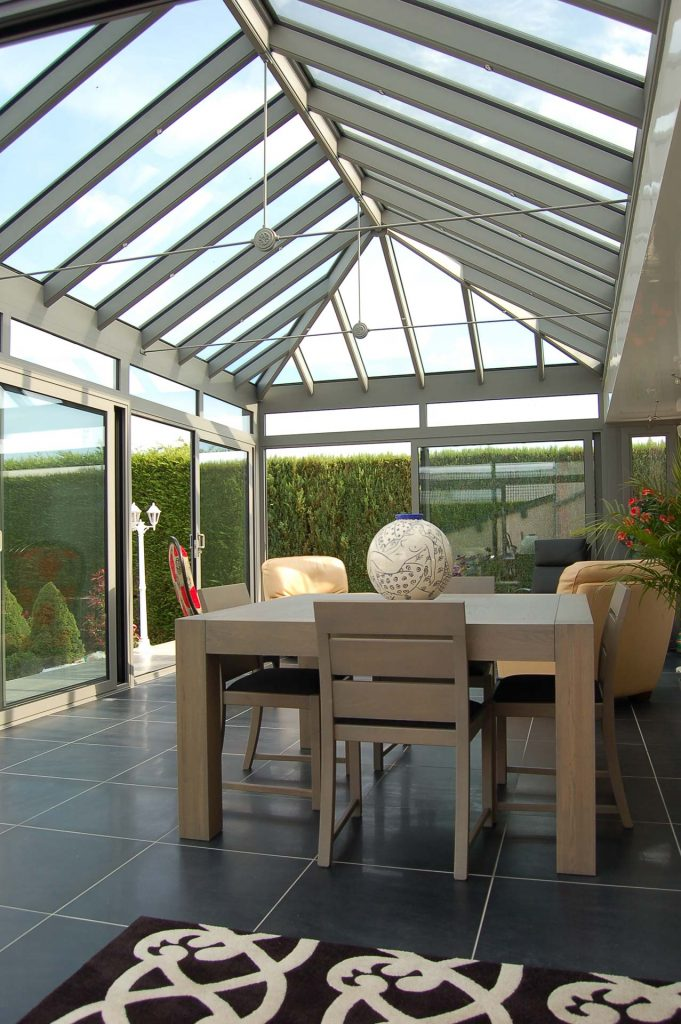 Glazed aluminium conservatory roof